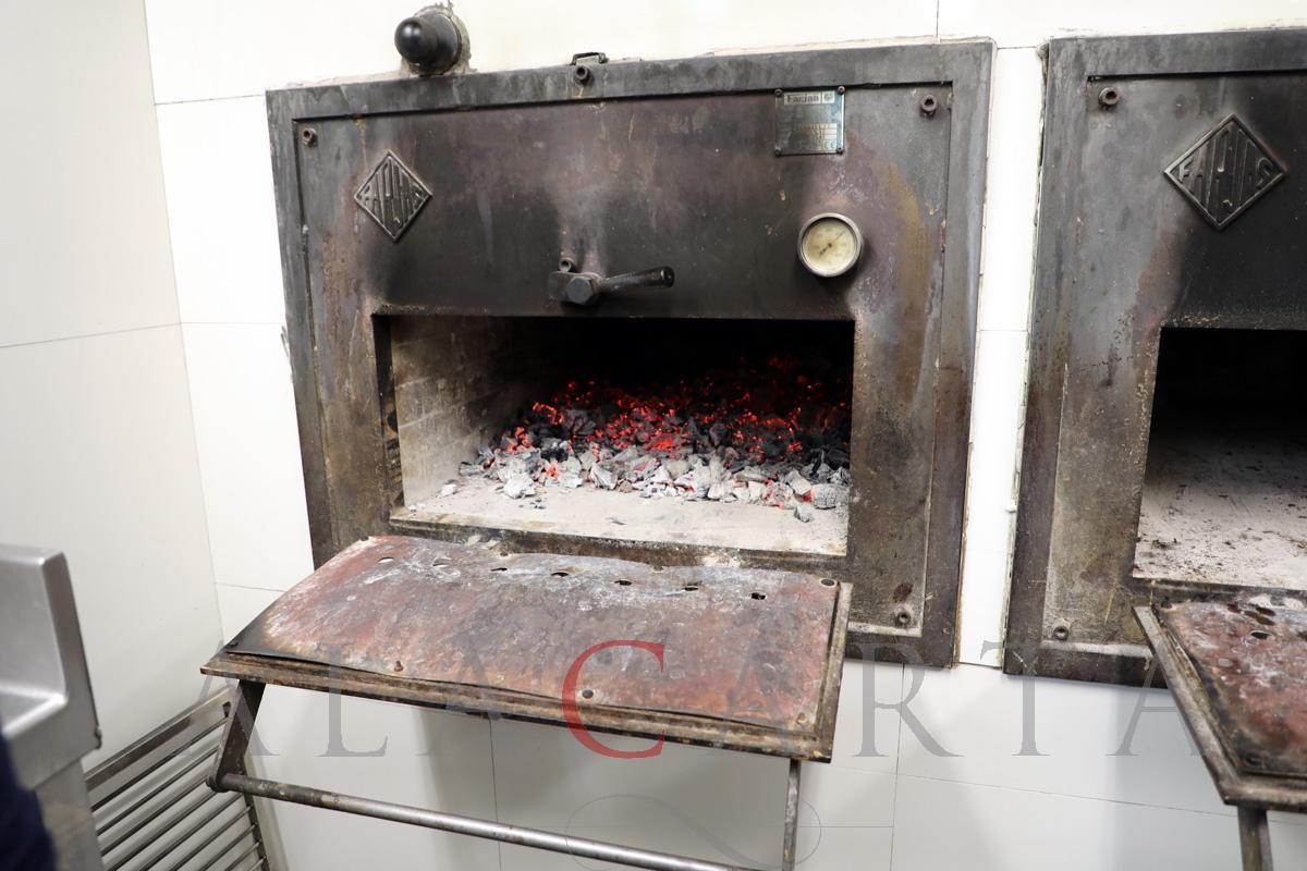 2019-03 Restaurante Etxebarri Horno Carbon