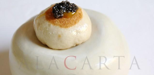 2020-08-08 Bao con Caviar relleno de Anguila LEscaleta