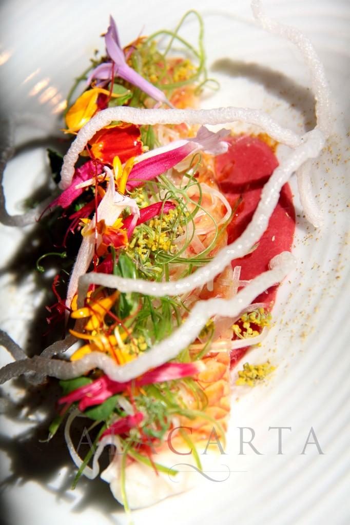 Salmonete Escabechado, Tomatillo de arbol, Flores y Hierbas Fritas al Reves
